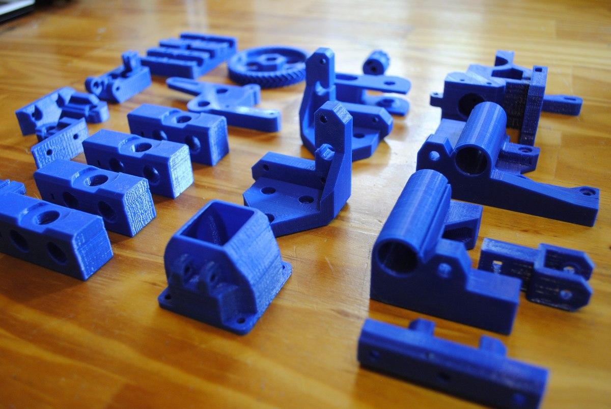 kit-de-piezas-reprap-prusa-i3-rework-impresora-3d-en-abs-D_NQ_NP_189111-MLA20497169796_112015-F